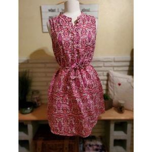 Cute sleeveless dress with pockets